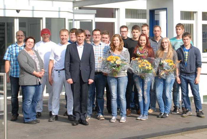 Arla gratuliert neuen Nachwuchskräften am Standort Pronsfeld zu ihrem Abschluss