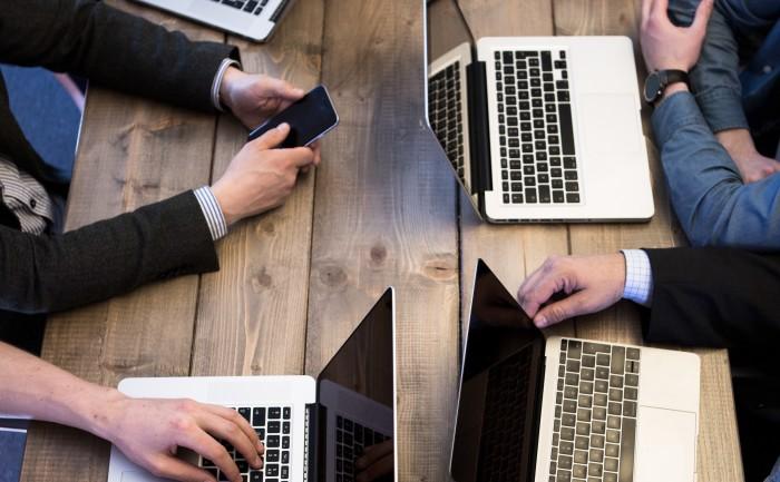 På frokostmøtet 17. november deler vi tanker og praktiske tips om hvordan GDPR griper inn i våre mange IT-utfordringer, og hvordan du må forholde deg til dette hele veien i systemers livssyklus, fra planlegging til videreutvikling.