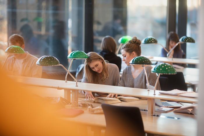 Nederlanders van 25 tot 35 jaar hebben 3 keer zoveel schulden als personen tussen de 18 en 25 jaar.