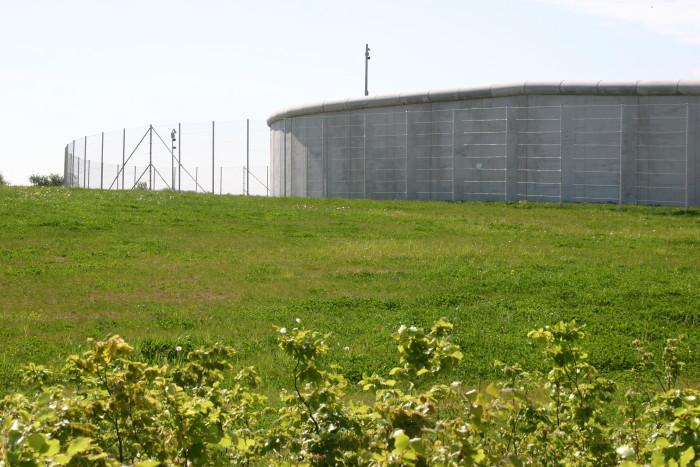 Et af forstærkningsholdene får base på Enner Mark Fængsel.