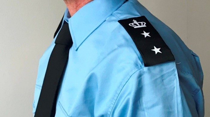 Pensionerede fængselsbetjente kan arbejde op til et år det samme sted med mulighed for forlængelse.