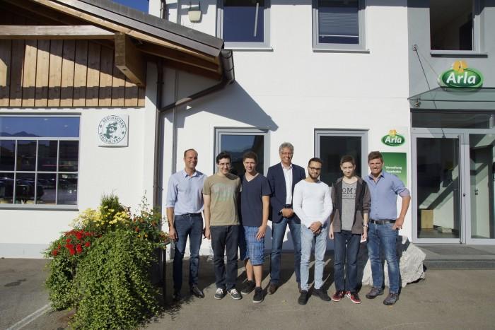 Vier neue Auszubildende starten bei Arla im Allgäu ins Berufsleben