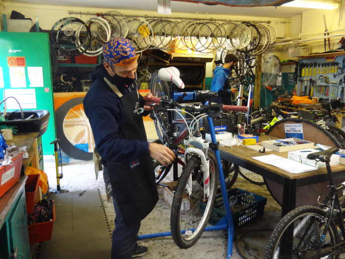 Southwark youngsters will bring new life to bikes abandoned at Southern stations