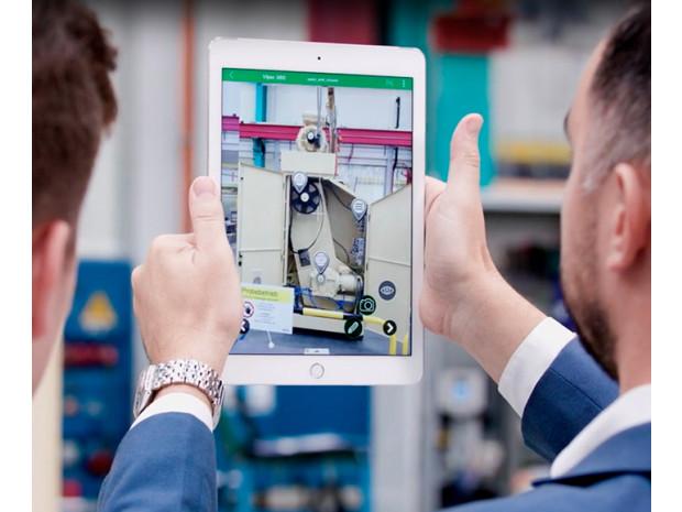 Lisättyä todellisuutta hyödyntävä EcoStruxure Augmented Operator Advisor  helpottaa kunnossapito- ja huoltotoimenpiteitä 1c402f7d5b