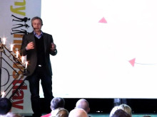 Mynewsday 2012- Mindjumpers- Is social media transforming traditional PR?