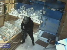 Smash & Grab Robber Jailed
