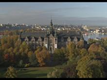Flygvy över Nordiska museet i Stockholm (film av CHIMNEY Content)