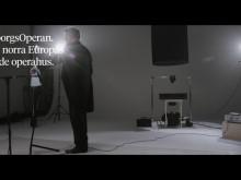 Film: Operans artister i ett experiment med ljudvågor och vatten