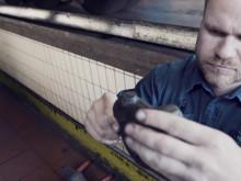 Video: Mit upLink macht die BPW Aftermarket Group die Identifikation von Ersatzteilen zum Kinderspiel: einfach QR- Code auf dem Fahrzeug scannen, Ersatzteile auswählen – fertig!