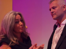 Polly Higgins about why she gives the prize sum away to victims of Swedish Boliden mining to laywer Johan Öberg. Interview by Pella Thiel. Video: Martin Hedberg