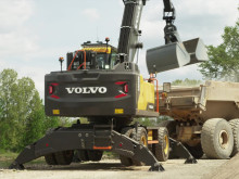 Film: Volvo EW240E Materialhanterare