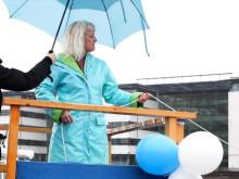 Västtrafiks nya båt Älvfrida döps och tas i trafik
