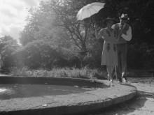 "Trailer ""Glädjen eller småprat i svartvitt"""