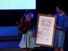 Kronprinsessan Victoria delar ut årets pris till Isol