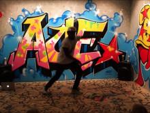 """Streetdance med Maele """"Reeflex"""" Sabuni i utställningen Graffiti Spaces på Barnens kulturdag"""