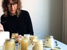 Pannkaksbloggaren Annika Goldhammer provar Sju sorters honung
