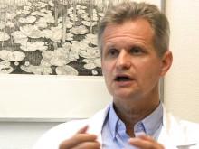 Överläkare Ulf-Henrik Mellqvist kommenterar en studie som presenteras på den amerikanska cancerkongressen ASCO: