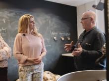 Anja och Filippa lär sig allt om kaffe - Avsnitt 3: Rostning med Micke