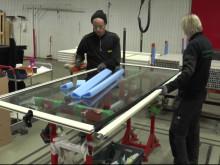 Reportage från tillverkning av uterumsdörrar hos Skånska Byggvaror