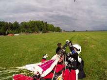 Team Live it hoppar fallskärm från 4000 meters höjd