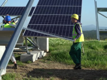 [Solaire] La centrale photovoltaïque au sol des Lauzières (30)