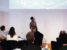 Paul Alarcon hållbarhetschef Stockholms stad pratar tunnelbaneidentiteter och Bruce Lee