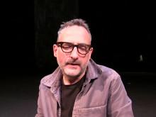 Roland Schimmelpfennig berättar om sin pjäs Det svarta vattnet