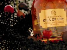 Oils of Life™ Intensely Revitalising Facial Oil indeholder 99 % ingredienser fra naturlige kilder