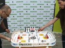 Rolf Ridderwall utmanar världsmästaren i bordshockey