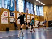 Penny Parnevik testar på Volleyboll Sparks Generation