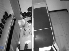 cctv footage of burglary jewllers Green Street E7
