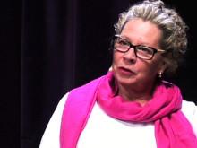 Anne Carlsson, Reumatikerförbundets ordförande, diskuterar betydelsen av de moderna behandlingarna för reumatiska sjukdomar