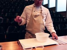 Söderläge: Karlstad CCCs matvlogg - creme brulée med mörk chokladmousse toppad med brownietärningar och färska hallon