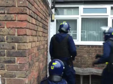 L123-20 Officers gaining access