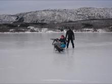 Aktivitetshjelpemiddelopphold pigging på is og snø