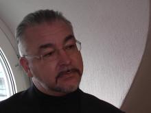Alfons Karabuda i bandad intervju om vårfesåtalet.