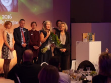 Utstickarprisets award ceremony 2016 - Anna Borgeryd from Polarbröd and the winner Polly Higgins. Video: Martin Hedberg