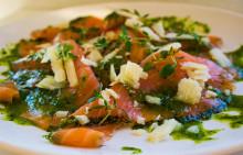 Korshags recepttips: Gravad lax med örtolja & parmesan