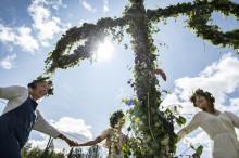 Visit Sweden bjuder in världen att fira midsommar