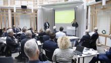 Ett 20-tal företag samlades för en snabbare järnvägsförbindelse mellan Oslo och Stockholm