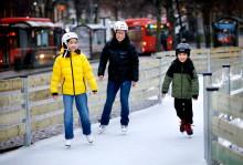 Isbanan på Stora torget och Tingvalla isstadion öppnar för allmänheten