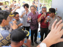 """Panasonic Delivers """"Power Supply Station"""" Stand-alone Photovoltaic Power Package to Indonesia as a Power Source for Water Purification System"""
