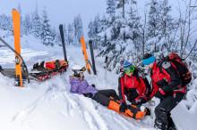 Sicher auf der Piste: Welche Versicherungen für den Ski-Urlaub?