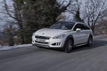 De första dieselhybriderna, Peugeot 3008 HYbrid4 och 508 RXH, är här!