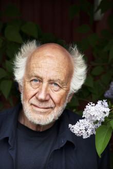 Ronny Ambjörnsson tar emot Stora historiepriset i Nyköping och samtalar med elever på Nyköpings gymnasium 19-20 september