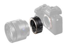 Новый адаптер LA-EA5 для объективов с байонетом A
