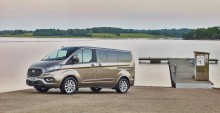 Nový velkoprostorový Ford Tourneo Custom je jako stvořený pro práci i volný čas