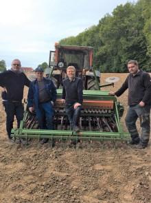 Landwirtschaft und Energieservice Westfalen Weser unterstützen weiter Artenvielfalt