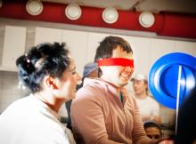 Clowner utan Gränser skapar hopp för asylsökande på Sverigeturné!