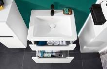 Une petite pièce, de grandes possibilités :  la salle de bains d'invités est la carte de visite de la maison